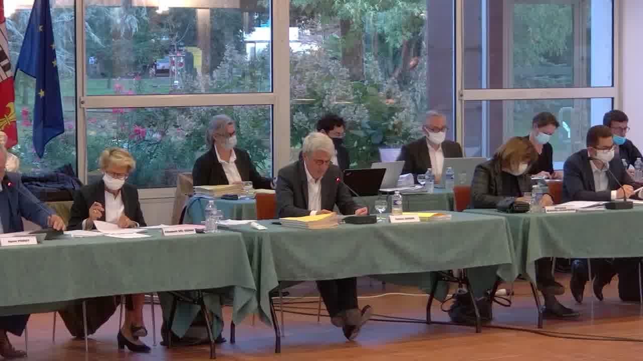 2.2 Avenant à la convention avec la CCI des Vosges relative à la mise en place d'un fonds d'indemnisation pour les commerçants suite aux travaux